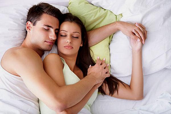 Đàn ông yêu thật lòng khi quan hệ